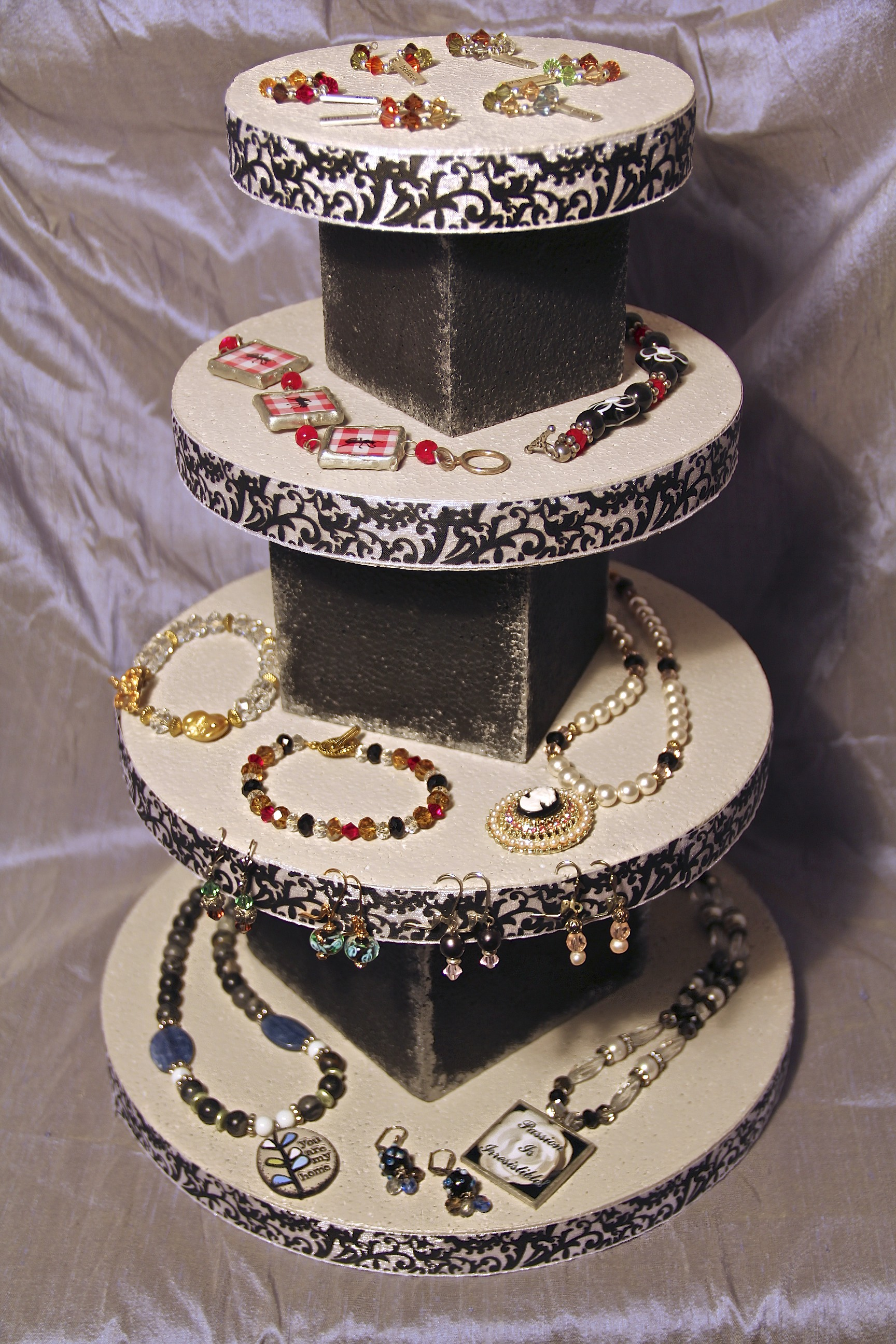 How to make your own jewelry displays beadphoria for Jewelry displays