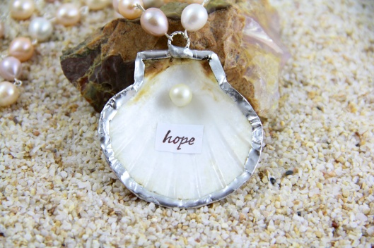 Hope Pearl Necklace close up