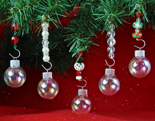 Beaded Ornament Hangers by Suzann Sladcik Wilson