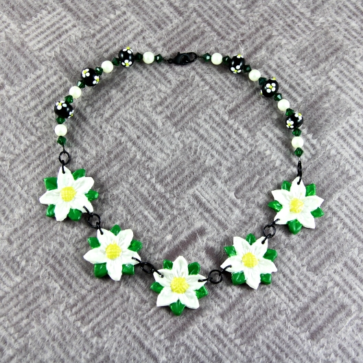 Finished Daisy Chain Necklace